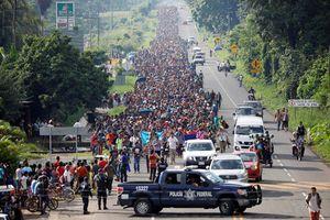 Mỹ triển khai quân đội đối phó dòng người di cư