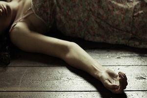 Một phụ nữ tử vong sau khi mở cửa cho người đàn ông vào nhà