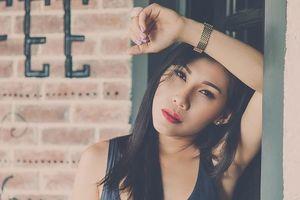 'Thánh nữ Bolero dance' Ivy Trần bị nổ túi ngực trên máy bay