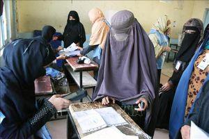 Kích hoạt bom liều chết ngay trước trụ sở ủy ban bầu cử Afghanistan