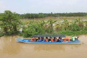 Về Vàm Nao mùa nước nổi làm ngư dân, nghe chuyện cá khổng lồ, sấu 5 chân