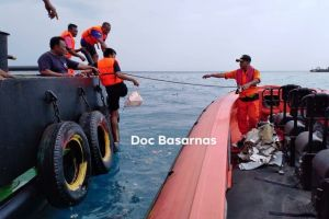 Indonesia: Máy bay Boeing 737 MAX 8 chở 188 người rơi xuống biển