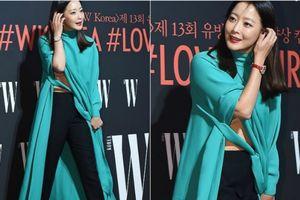Người đẹp Kim Hee Sun diện áo váy 'dị' phạm lỗi thời trang nghiêm trọng trên thảm đỏ