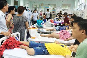 55 học sinh bị ngộ độc vì món... chà bông gà