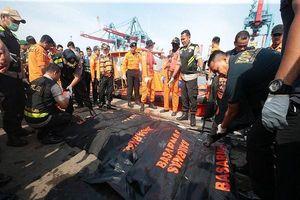 Vụ máy bay rơi ở Indonesia: Phi công xin phép quay trở lại phi trường sau vài phút máy bay cất cánh