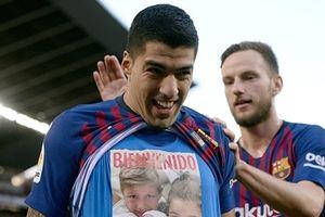 Suarez lập hattrick, Barca vùi dập Real 5-1
