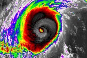 Philippines nâng cảnh báo bão Yutu lên mức báo động đỏ