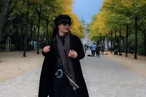 'Street style' thanh lịch của Nữ hoàng doanh nhân Kim Chi