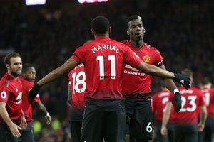 Pogba, Martial rực sáng, MU thắng thuyết phục Everton