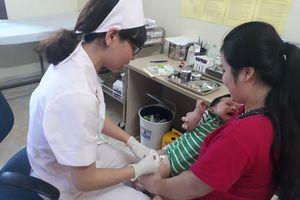 Cung ứng đủ vắc xin phối hợp cho tiêm chủng mở rộng và dịch vụ