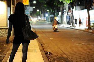 Sinh viên hoạt động mại dâm… lần 4 sẽ bị buộc thôi học?