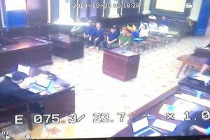 Cả Phạm Công Danh và luật sư đều bị tòa không cho phát biểu