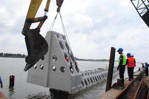 Áp dụng công nghệ mới ứng phó sạt lở bờ biển