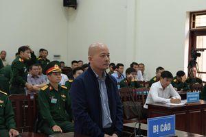 Út 'trọc' được đưa vào Tòa án Quân sự Trung ương trong an ninh thắt chặt