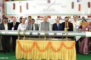 Ấn Độ chi mạnh tay mua lô tên lửa phòng không 'Barak-8' của Israel
