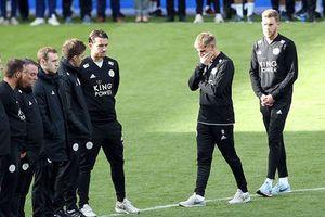 Cầu thủ Leicester bật khóc trong lễ tưởng nhớ cố Chủ tịch