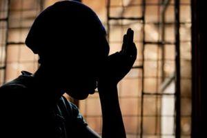 Nỗi sợ hãi của bé gái bị kỳ thị vì nhiễm HIV