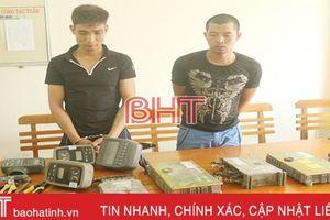 Bắt giữ 2 tên trộm chuyên 'ăn' hộp đen máy đào