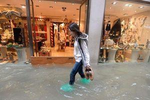 Thời tiết xấu hoành hành, Venice 'chìm' trong biển nước