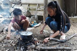 Nghệ An: Xót xa gia cảnh hai chị em đơn độc