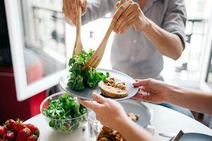 Điểm mặt những thực phẩm quen thuộc nhưng hầu hết mọi người đều ăn sai cách