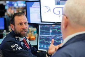 Chứng khoán Mỹ giảm điểm, S&P ngấp nghé điều chỉnh