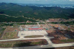 Yêu cầu 10 bộ vào cuộc rà soát việc xây dựng sân bay Vân Đồn