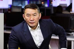 Tổng thống Mông Cổ dọa tuyệt thực để phản đối Quốc hội