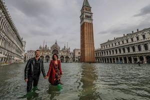 Ảnh, video: Lũ lụt khiến 3/4 thành phố Venice, Italia ngập trong biển nước