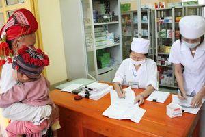 Tôn vinh cán bộ y tế cơ sở