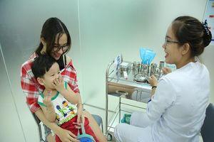 Khai trương 2 trung tâm tiêm chủng phục vụ 5.000 người/ngày
