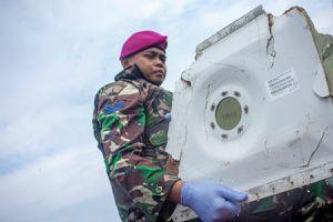 Indonesia phát hiện mảnh vỡ 22 m nghi của máy bay Lion Air