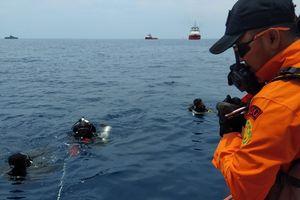 Máy bay rơi xuống biển ở Indonesia: Vẫn chưa tìm ra nguyên nhân