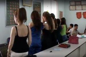 Sinh viên sư phạm thấy bị xúc phạm trước quy định 'bị đuổi học nếu bán dâm 4 lần'