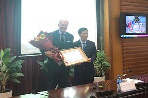 Huyền thoại golf Greg Norman chính thức là Đại sứ Du lịch Việt Nam
