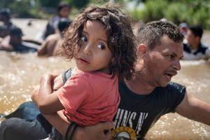 Mỹ đối phó di dân 'như đánh IS'