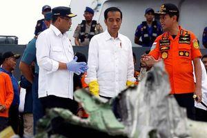 Rơi máy bay Indonesia: Chiếc Boeing tông phải 'bom mưa'?