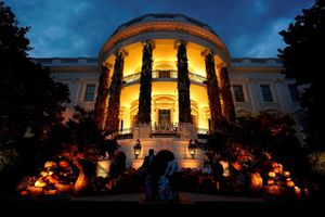 Ma mị lễ hội Halloween của ông Trump tại Nhà Trắng