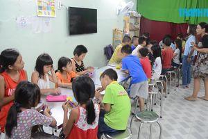 Lớp học tình thương của những trẻ em xóm nghèo Q.8