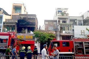 Cháy lớn quán bar ở trung tâm Sài Gòn lúc rạng sáng