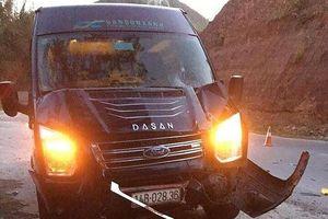 Xe khách Limousine tông chết hai cha con lúc sáng sớm