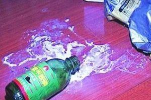 Công an điều tra vụ mẹ cho 2 con uống thuốc diệt cỏ để 'chết chung'