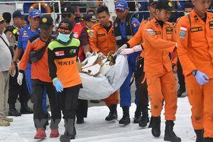Bản tin 20H: Tiết lộ bất ngờ về công cuộc tìm kiếm máy bay Lion Air