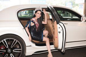 Huỳnh Vy đẹp rạng rỡ, đội vương miện Miss Tourism Queen Worldwide 2018 trở về nước