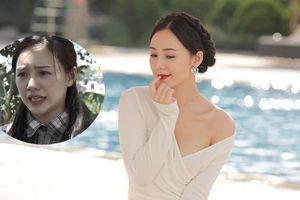 Gái quê bị ghét nhất 'Quỳnh búp bê' thả dáng sexy bên hồ bơi