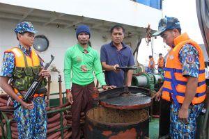 Nóng buôn lậu khoáng sản, gỗ, xăng dầu, ma túy trên biển