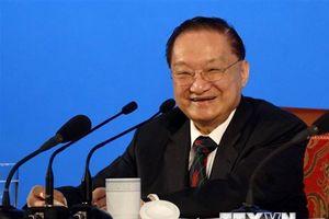 Vĩnh biệt Kim Dung - 'Minh chủ võ lâm' của văn đàn Trung Quốc