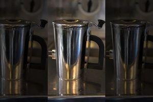 Tranh cãi chi phí cốc đựng cà phê gần 30 triệu/chiếc của Hải quân Mỹ