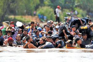 Điều gì chờ đợi đoàn người di cư ở biên giới Mỹ?