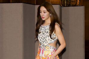 'Thái tử phi' Yoon Eun Hye xin lỗi vì scandal đạo nhái